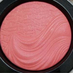 MAC Cosmetics Makeup - MAC FLAMIMG CHIC EXTRA DIMENSION BLUSH